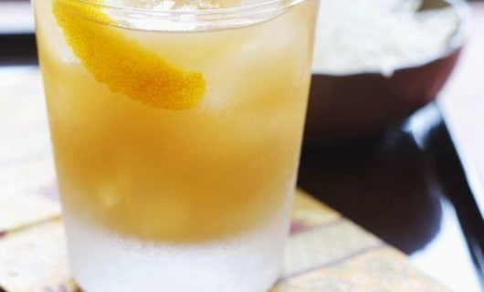cóctel whiskey cobbler