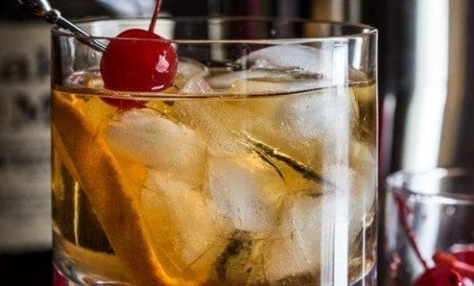 cóctel de whisky sour